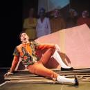 podiumfoto 7, ORFEO, een drama van karton