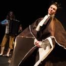 podiumfoto 5, ORFEO, een drama van karton